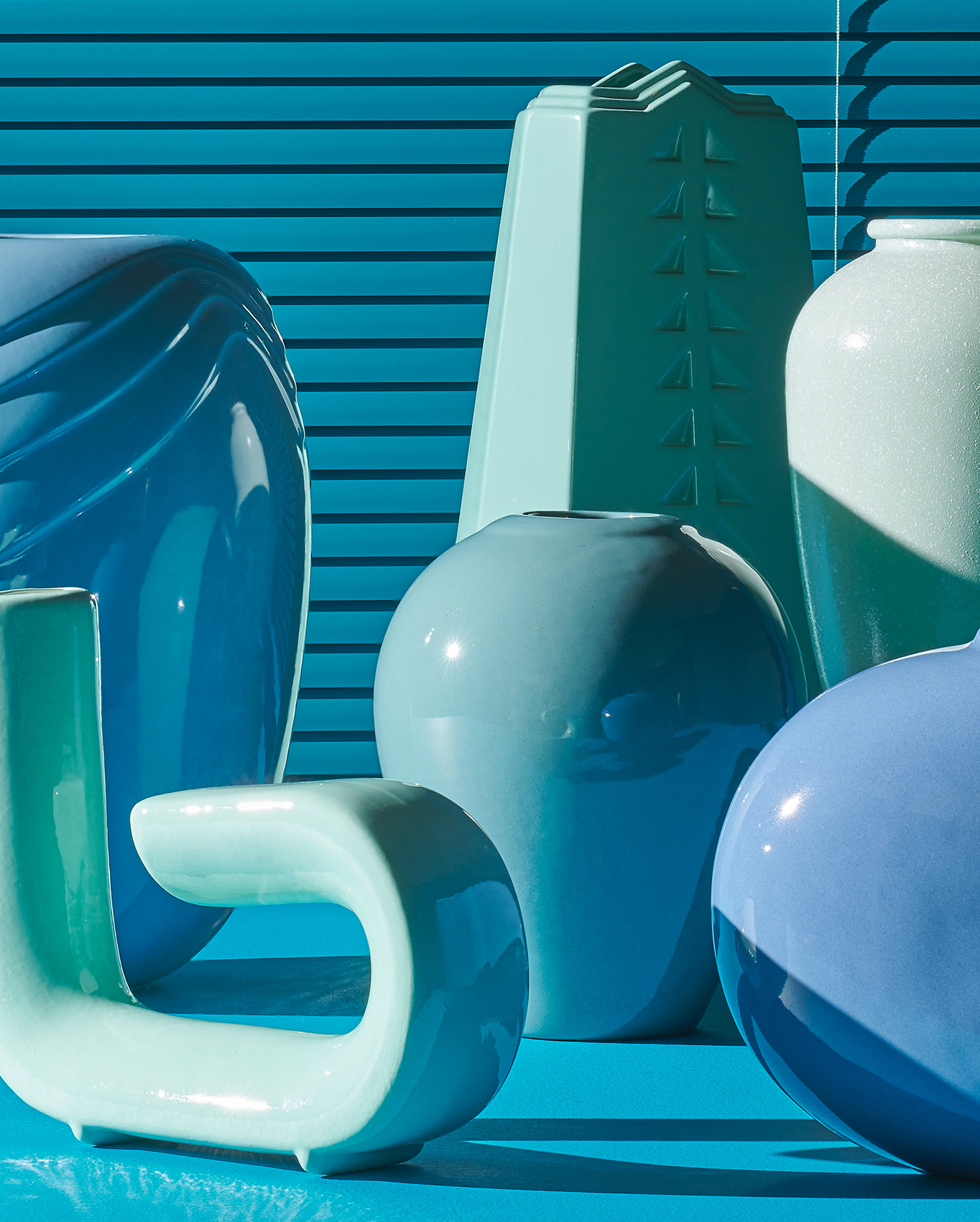 2020_07_Ronnie_80s_teal_vases_cropped