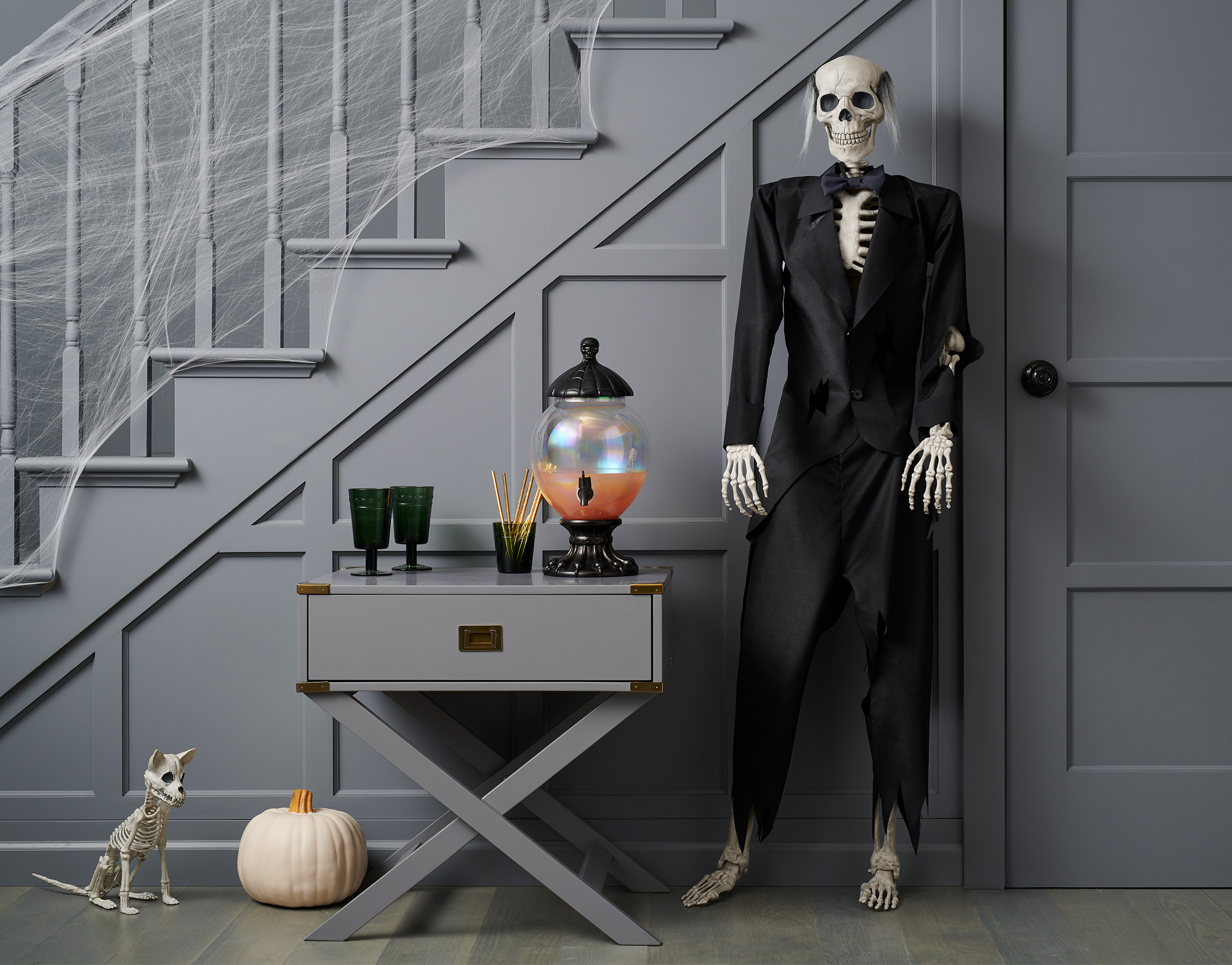 C-000696-02-035_240-43-3510_Skeleton-Dress-Up-Kit-Butler