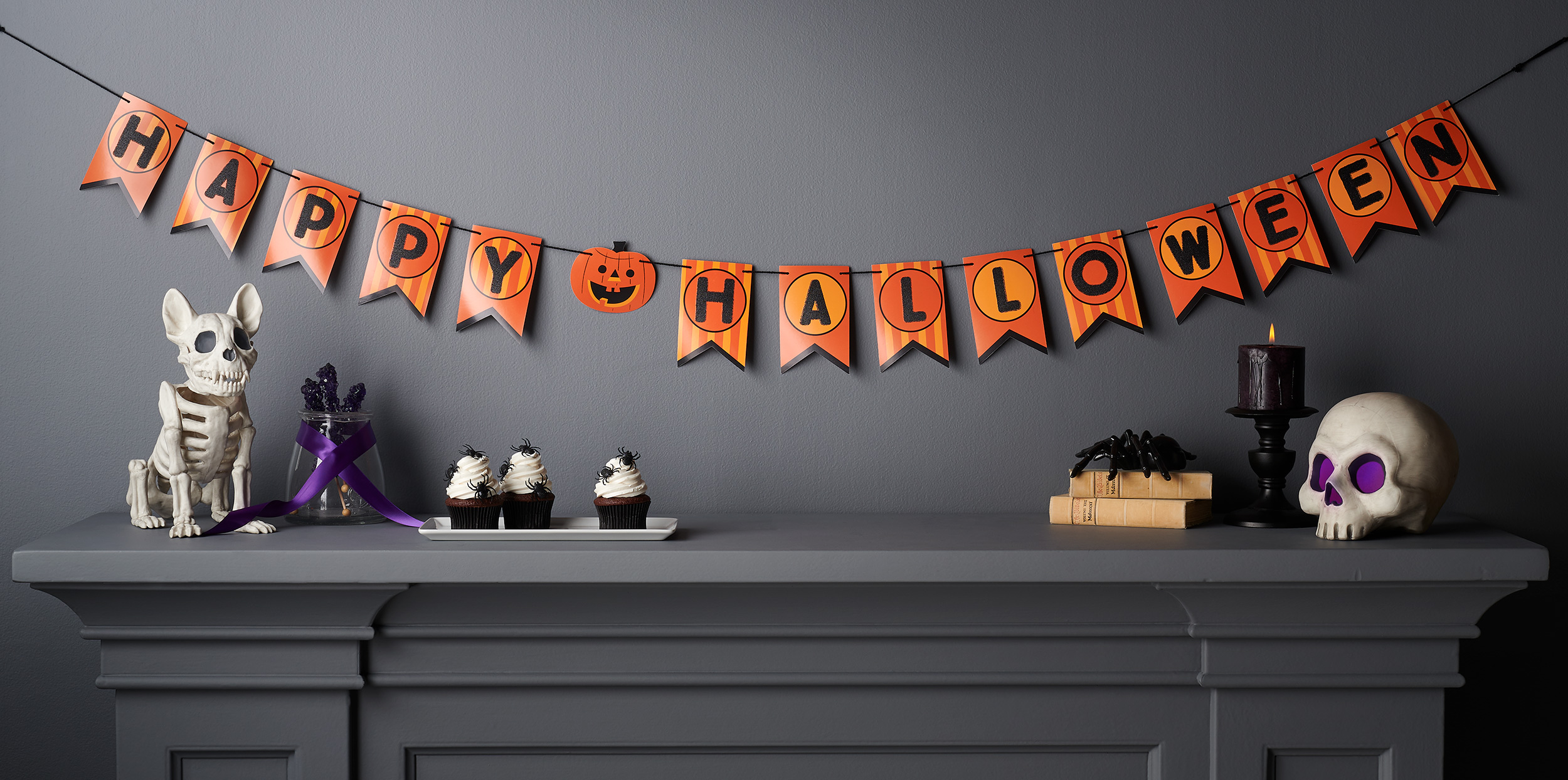 C-001217-01-025_240-43_0410_PaperBanner_Garland_HappyHalloween_Pumpkin